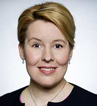 Dr. Franziska Giffey Bundesministerin für Familie, Senioren, Frauen und Jugend