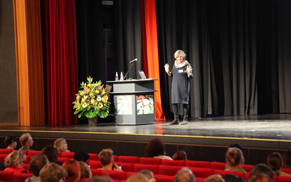 BFT-Frau Prof. Hedervari-Heller